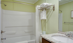SSM12: The Lineup - Bathroom